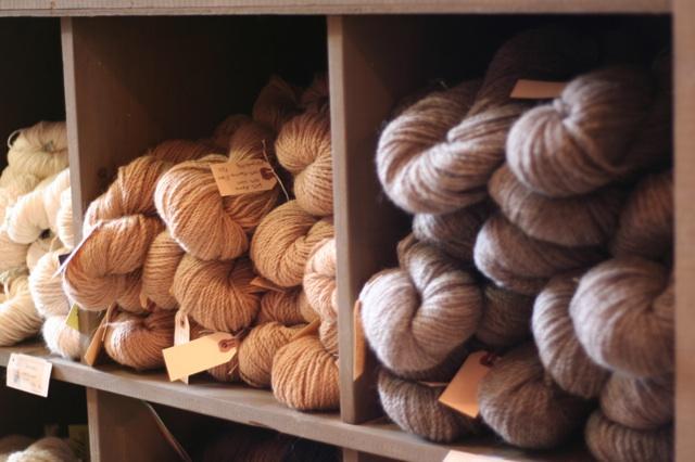 60% alpaca, 40% wool, 100% Maritime