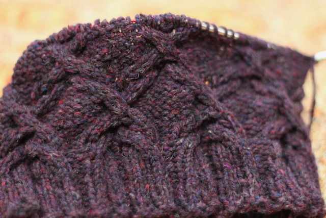 I can sometimes be a reactionary knitter, thus, a new hat. This is Scrollwork by Irini Dmitrieva and I'm knitting it out of Brooklyn Tweed Shelter in Plume.