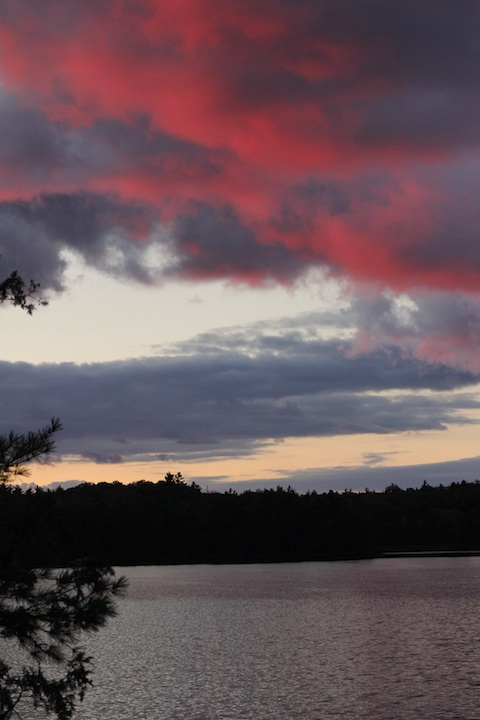 This pink sky at night did indeed portend a sailor's (or, canoeist's) delight the next day.
