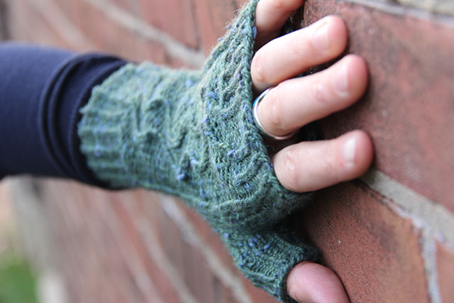Knit in The Fibre Company's Acadia, in the Douglas Fir colourway.